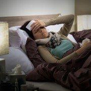 Wenig Schlaf steigert Erkältungsrisiko
